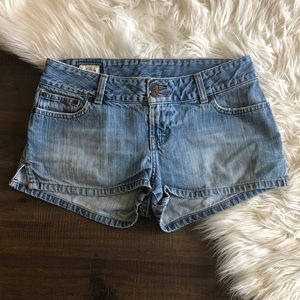 ° ABERCROMBIE & FITCH JEAN SHORTS °